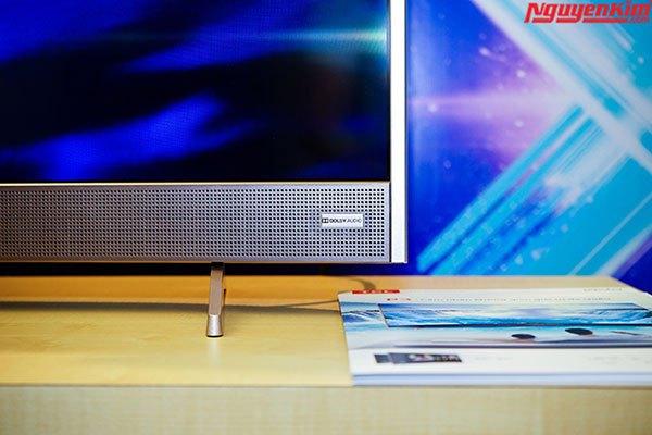Loa Dolby thiết kế phía trước tivi tạo âm thanh vòm trong trẻo