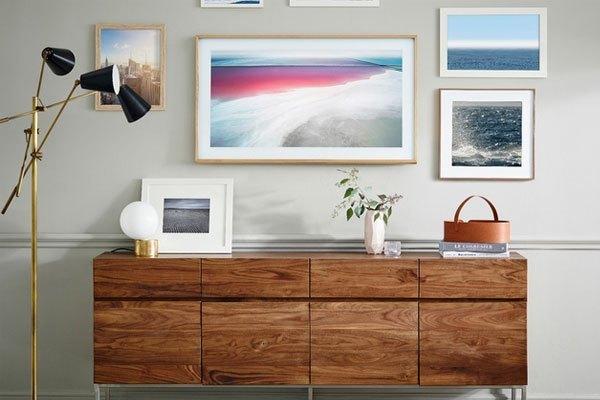 Chiếc tivi Samsung như một bức tranh khi không sử dụng đến