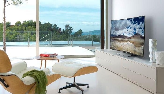 Thiết kế Slive of Living trên tivi Sony 4K HDR 2017 khiến thiết bị như hòa quyện với không gian sống