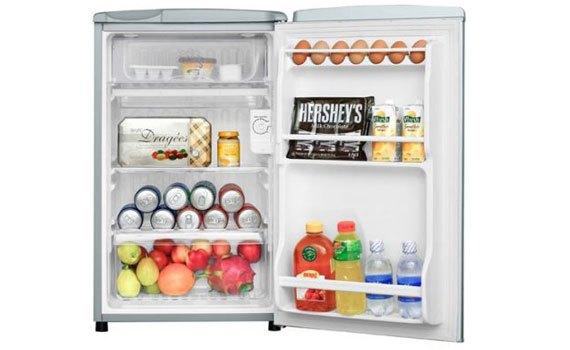 Tủ lạnh Aqua AQR-95AR (SS) hệ thống đèn LED chiếu sáng tốt