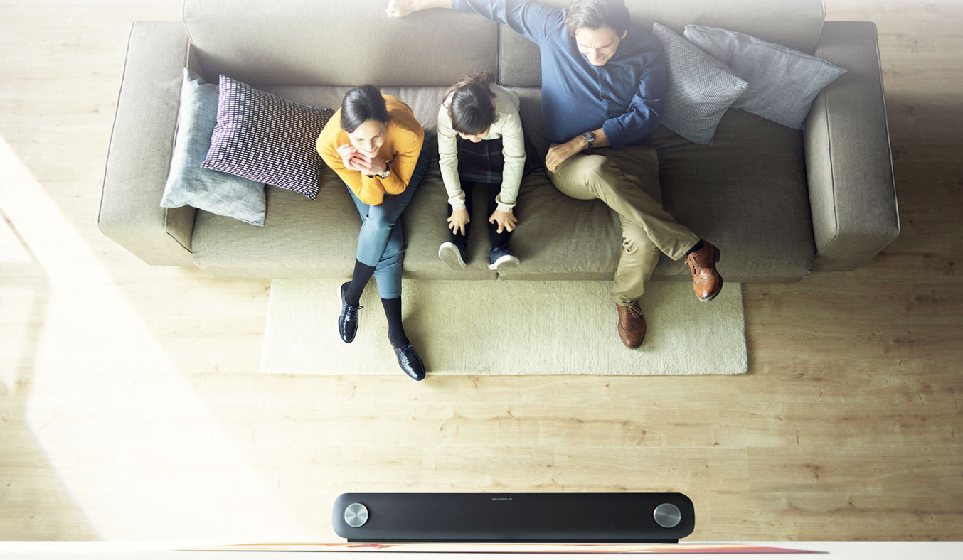 "Tivi OLED LG 77 inch W7T mỏng như ""giấy"""