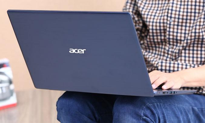Laptop Acer Swift 3 ST315-51-530V(NX.GSKSV.001) đầy đủ cổng kết nối