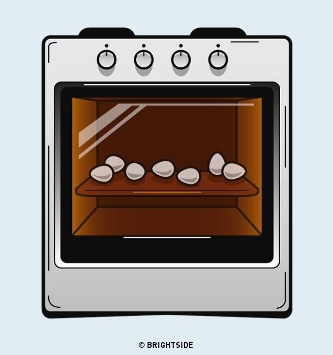 Sử dụng lò vi sóng để làm chín trứng thay vì sử dụng nồi