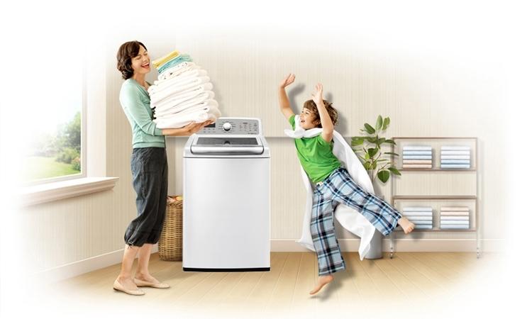 Nhờ vào kiểu dáng gọn gàng, máy giặt lồng đứng thích hợp dùng trong gia đình có không gian hạn chế