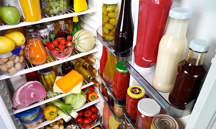 """Đừng nhối nhét quá nhiều thực phẩm vào tủ lạnh, """"cố quá thì quá cố"""" đấy!"""