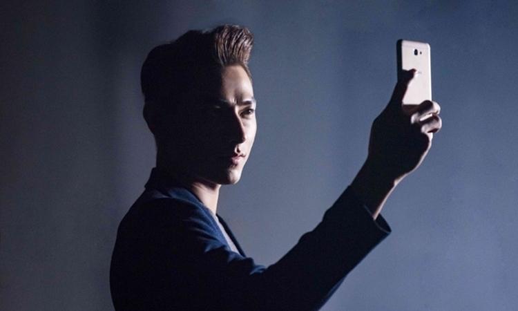 Quan tâm đến ánh sáng khi chụp hình bằng điện thoại Samsung Galaxy J7 Prime