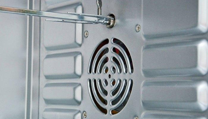 Chọn lò nướng có quạt đối lưu sẽ giúp thức ăn chín đều và tiết kiệm điện