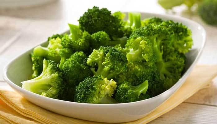 Bông cải xanh mất dưỡng chất khi nấu trong lò vi sóng