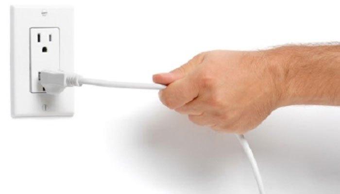 Ngắt điện khi vệ sinh dàn máy nghe nhạc