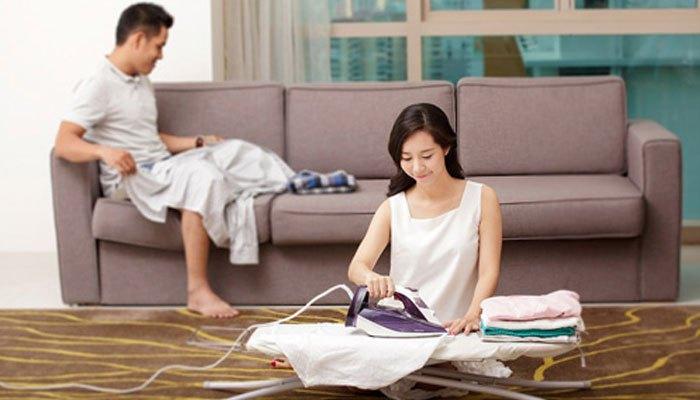 Ủi quần áo sau khi dùng máy giặt