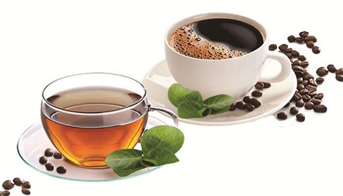 Cho nước trà hay cà phê vào máy giặt giúp quần áo đen không bạc màu