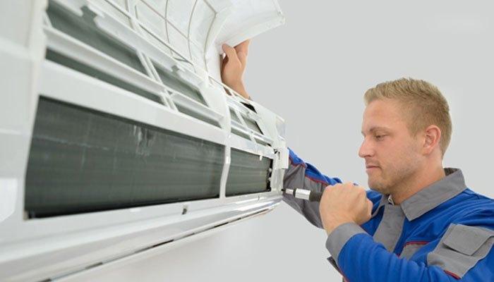 Hãy vệ sinh máy lạnh mỗi tháng một lần
