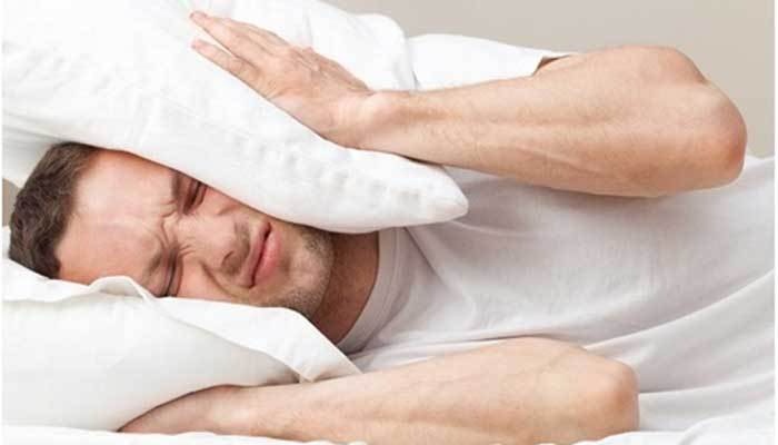 Tiếng ồn cũng là nguyên nhân khiến bạn khó đi vào giấc ngủ