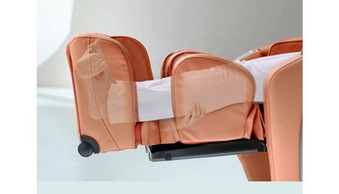Ghế massage như người đang xoa bóp các khớp cho bạn