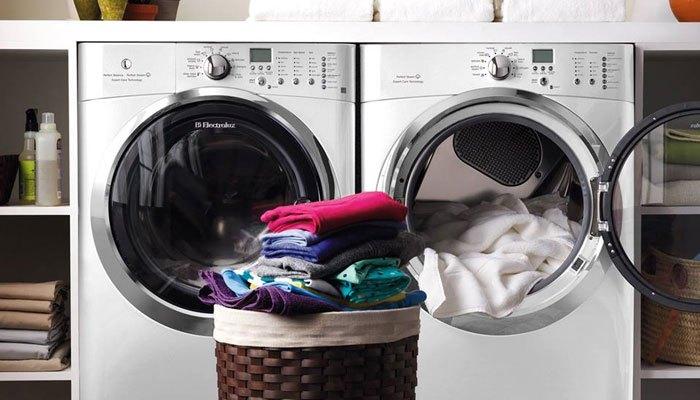 Phân loại quần áo trước khi cho vào máy sấy quần áo