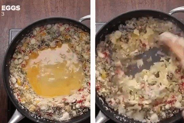 Trộn tất cả trên chảo chống dính rồi thêm trứng vào