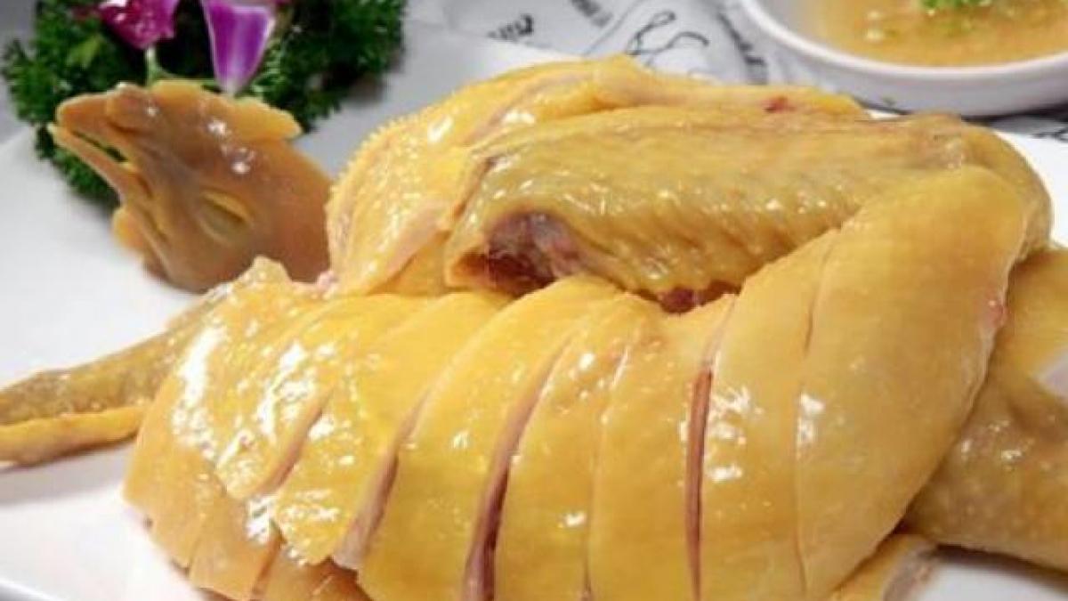 Thưởng thức món gà luộc thơm ngon chỉ trong vài bước đơn giản dễ thực hiện   Nguyễn Kim