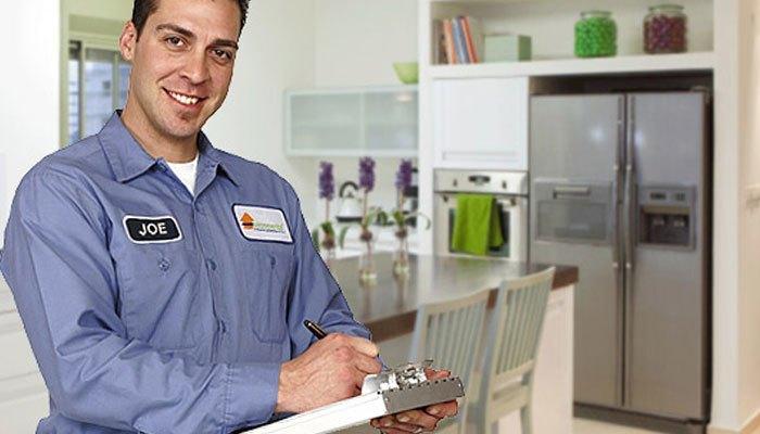 Nên gọi thợ đến sửa nếu tủ lạnh bị lỗi
