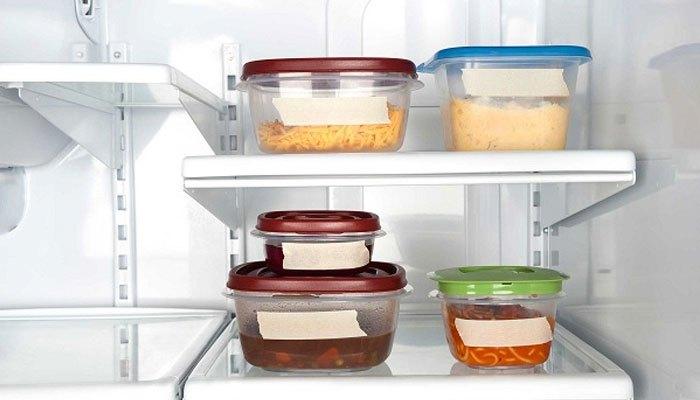 Không để thức ăn còn nóng trong tủ lạnh