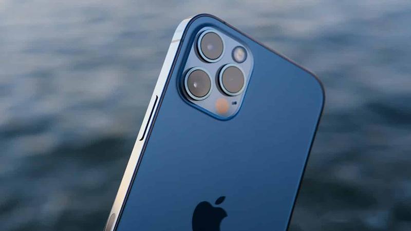 iPhone 12 có khả năng chống nước cực tốt