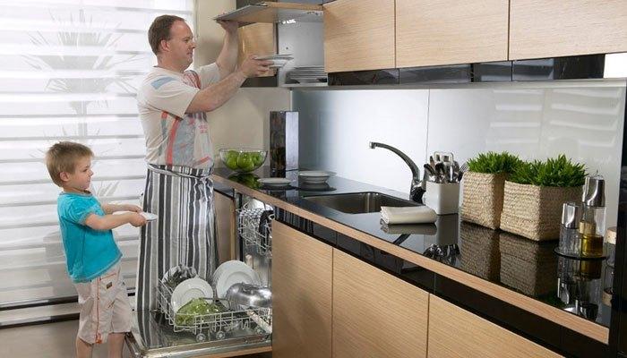 Với máy rửa chén, chén dĩa nhà bạn sẽ sạch bong trong thời gian ngắn