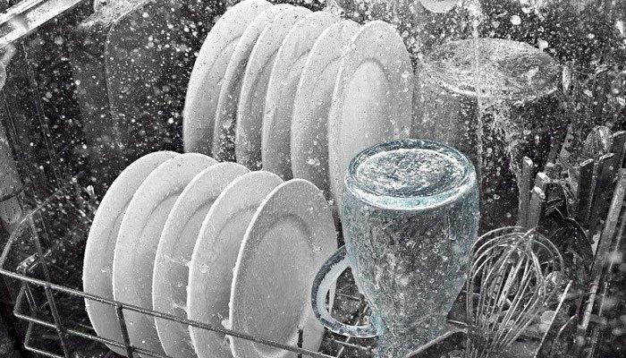 Bạn sẽ giảm được tiền nước khi sử dụng máy rửa chén