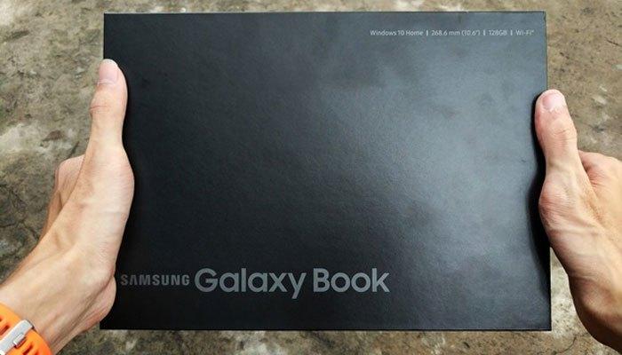 """""""Đập hộp"""" máy tính bảng Galaxy Book"""