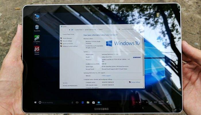 Máy tính bảng Galaxy Book chạy hệ điều hành Windows 10