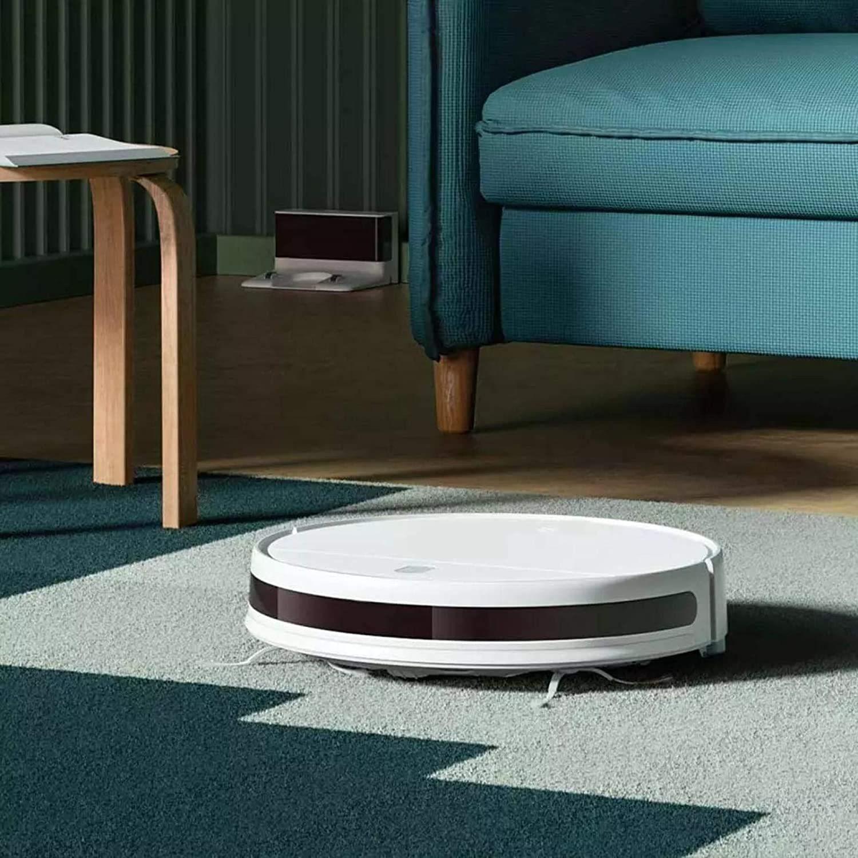 Robot hút bụi hỗ trợ vệ sinh nhà cửa hiệu quả