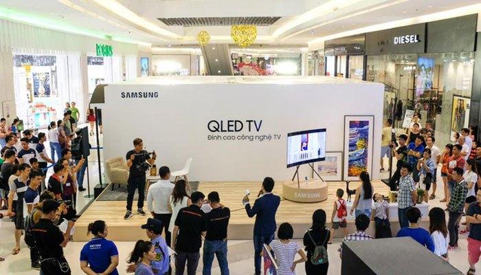 Sau buổi trải nghiệm, nhiều người đã thật sự mê mẩn tivi QLED