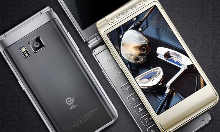 """Camera sau của Samsung W2017 lên đến 12 """"chấm"""" cho những bức ảnh đẹp sắc nét"""