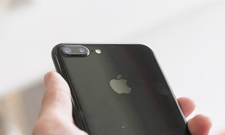 Cụm camera kép trên iPhone 7 Plus sẽ ngũ mũ cuí đầu với chiếc iPhone 8 này.