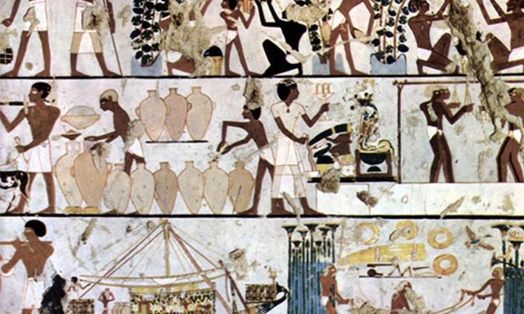 Các nhà khảo cổ học và sử học cho rằng mô hình máy lạnh đầu tiên xuất phát từ người Ai Cập