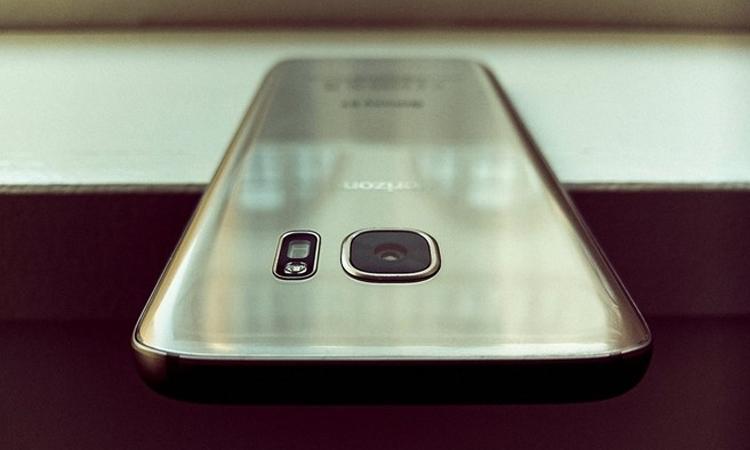 Điện thoại Samsung Galaxy S8 hứa hẹn sẽ mang đến nhiều sự đột phá bất ngờ vào năm 2017
