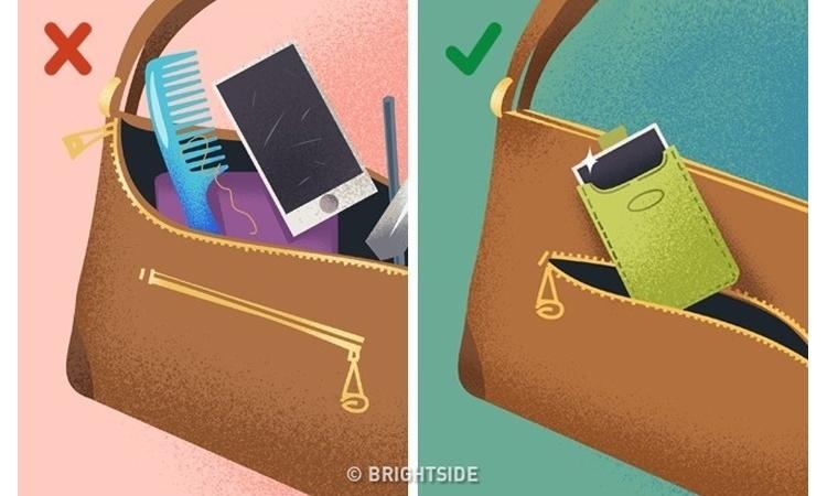 Một chiếc túi riêng để bảo vệ điện thoại là điều cần thiết.