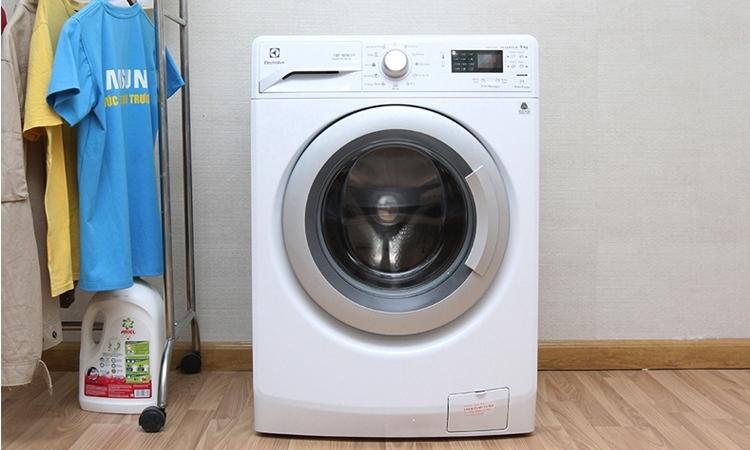 Máy giặt Electrolux EWF12942 trang bị công nghệ Inverter tiết kiệm điện