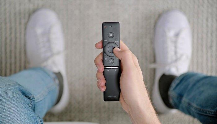 Điều khiển One Remote trên tivi LED Samsung MU6300 dễ sử dụng