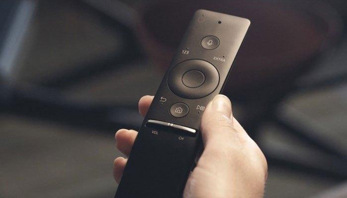 Chiếc One Remote của tivi LED Samsung MU6300 được thiết kế vô cùng sang trọng