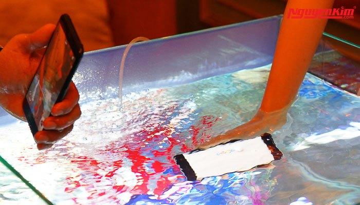 Điện thoại HTC U11 chống nước