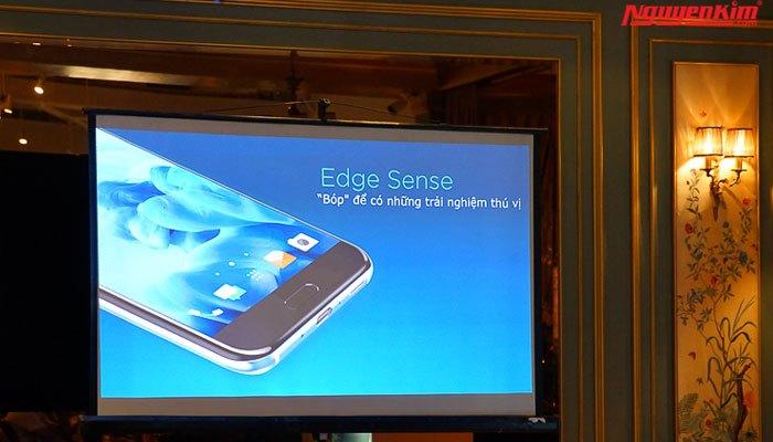 Điện thoại HTC U11 điều khiển bằng cách bóp