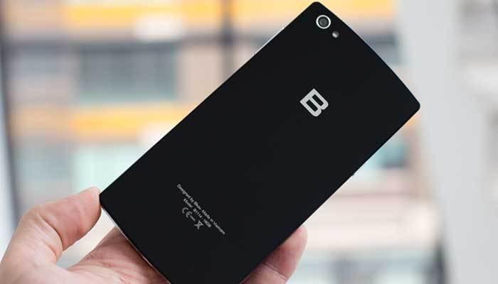 Điện thoại BPhone 2 có giá bán từ 11 triệu đến 13 triệu cho từng phiên bản bộ nhớ