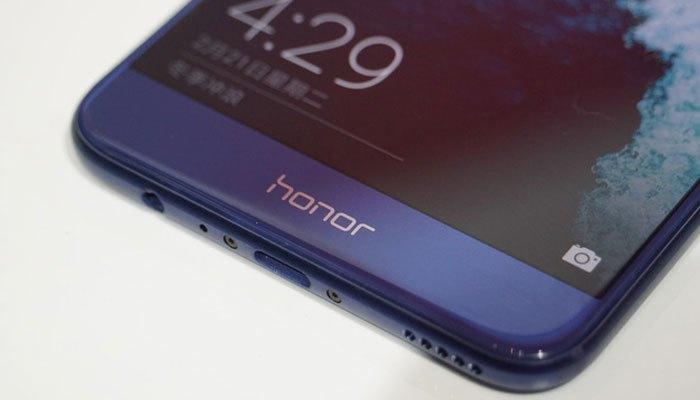 Điện thoại Huawei Honor V9 có tính năng quát vân tay nhanh chóng