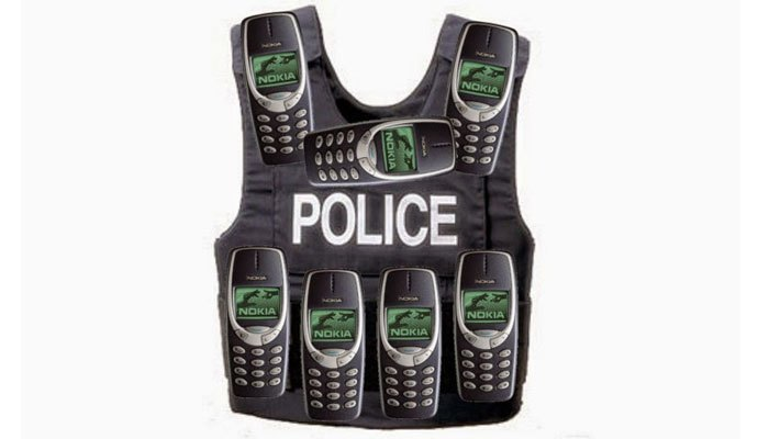 """Điện thoại Nokia 3310 được xem như vỏ chống đạn vì """"trâu"""" quá mức"""