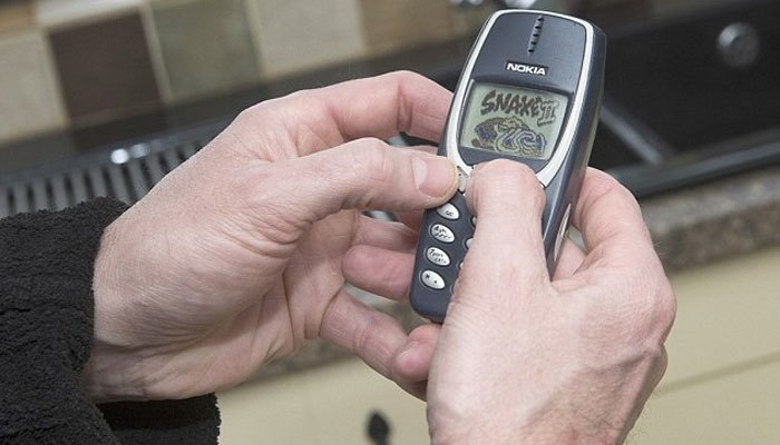 Chơi game hàng giờ liền không chán với điện thoại Nokia 3310
