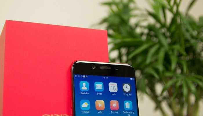 Camera trước điện thoại OPPO R9s RED chụp hình selfie tuyệt đẹp