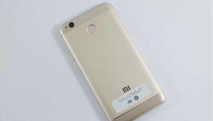 Điện thoại Xiaomi Redmi 4X có thiết kế kim loại