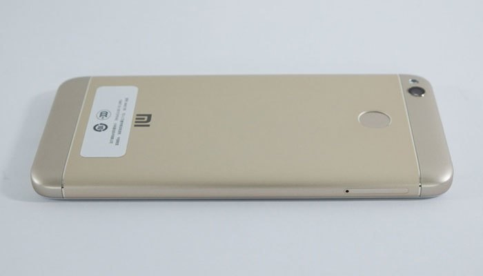 Điện thoại Xiaomi Redmi 4X hỗ trợ khay SIM lai