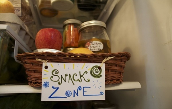 Thức ăn nhẹ để ở nơi dễ tìm trong tủ lạnh