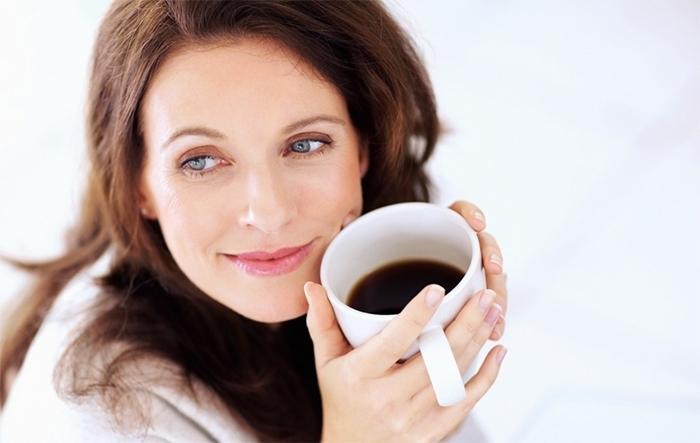 Uống cà phê giúp tránh suy giảm trí nhớ