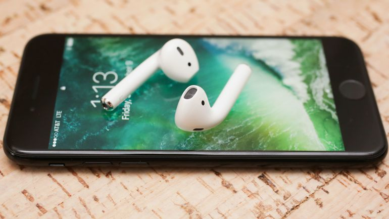 Tai nghe không dây Airpods mới nhất đến từ Apple